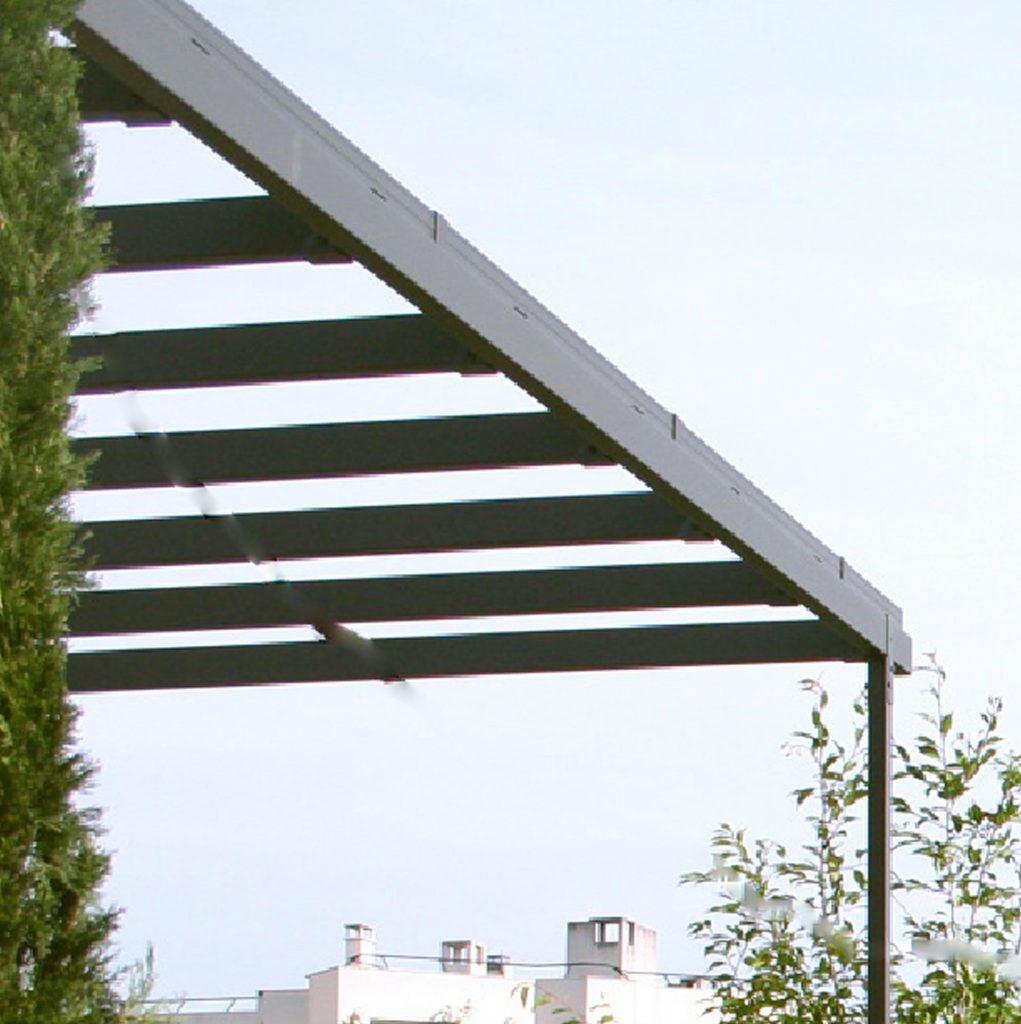 LADPJ  Pergola adossée fixée à une façade